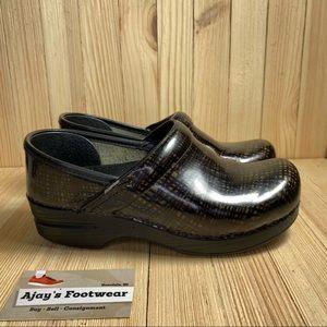 Dansko Clog Black Brown Patent Leather Shoes
